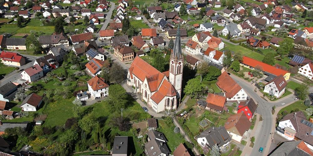 Kirche | Gemeindehaus | Pfarrhaus
