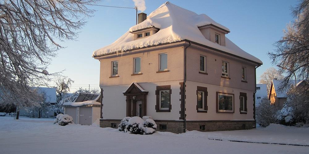 Pfarrhaus im Winter