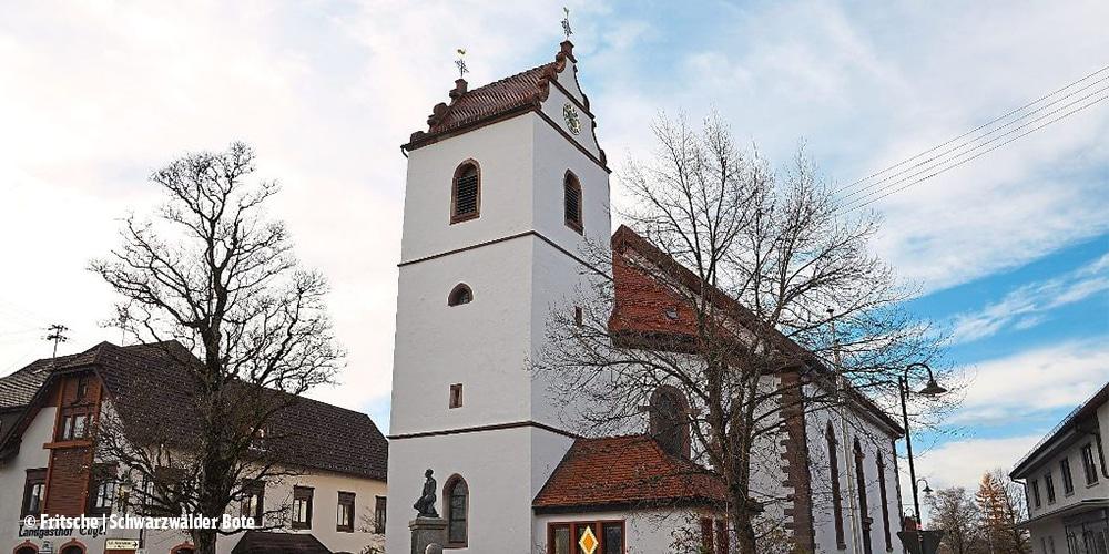 Pfarrkirche nach der Außenrenovierung 2017