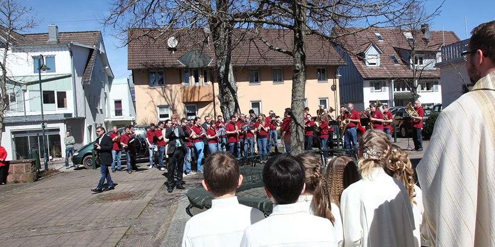 Platzkonzert mit Musikverein