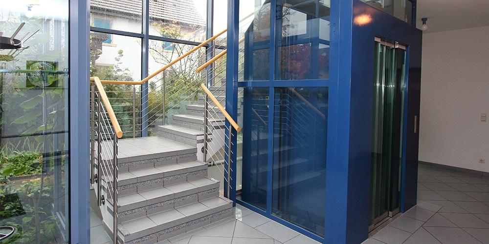 Aufzug ins Obergeschoss