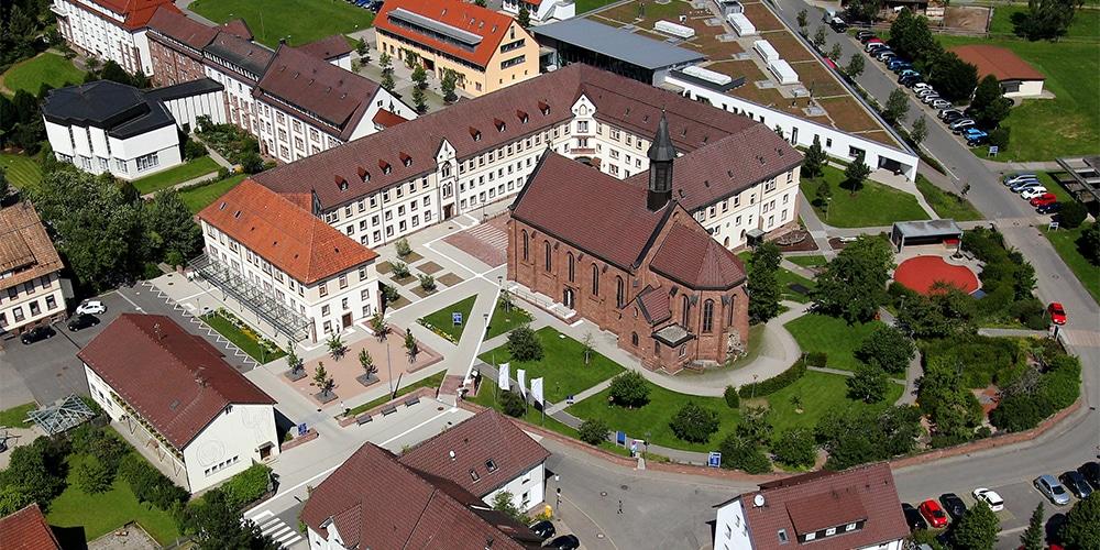 Kirche und Kloster