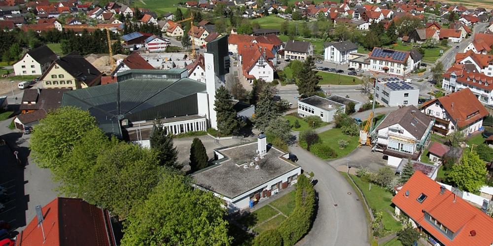 Pfarrhaus | Kirche | Gemeindehaus