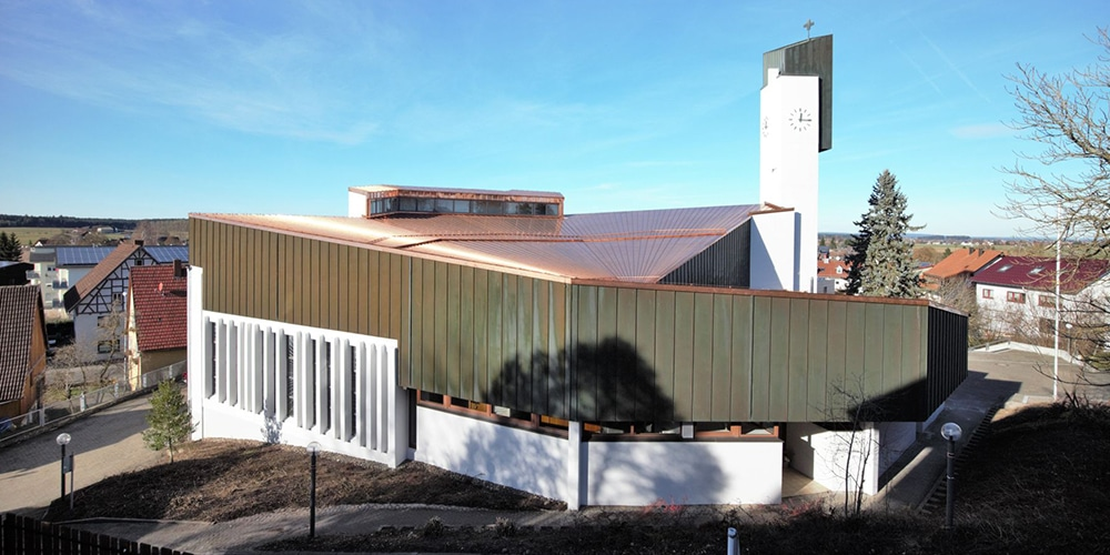 Kirchendach renoviert