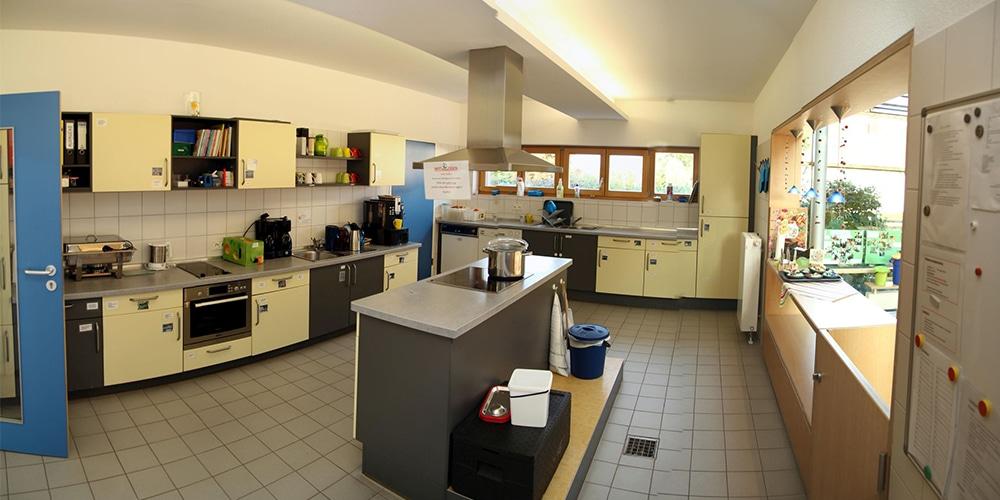 Küche im Bistrobereich